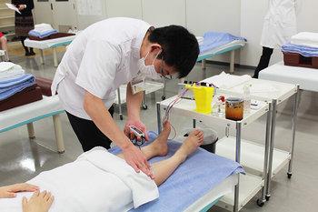 中央医療健康専門学校 鍼灸学科での実験